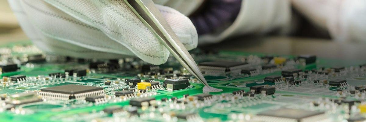 التصنيع والتوزيع والمنتجات